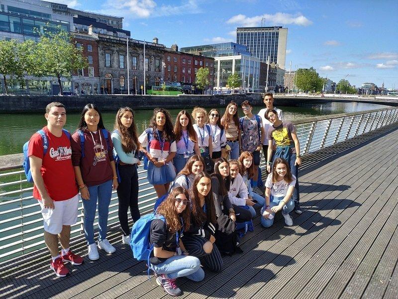 verano para jóvenes en Dublín
